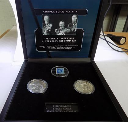 Three Kings silver Crown and stamp set