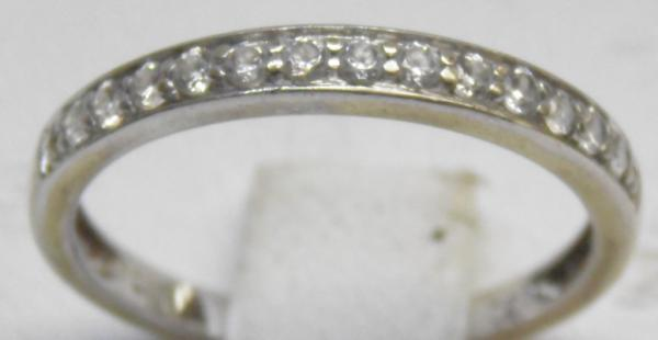 9ct Gold half eternity ring size K 1/2
