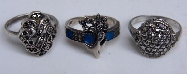 3 silver rings, incl. enameled ring