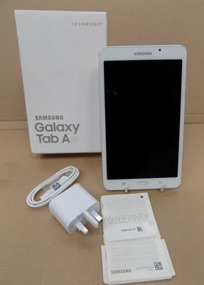 New Samsung Galaxy tablet, 7 inches, 8GB - under warranty