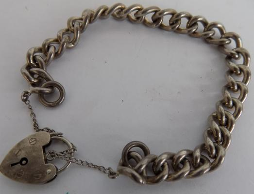 Silver charm bracelet, heart padlock (without charms)