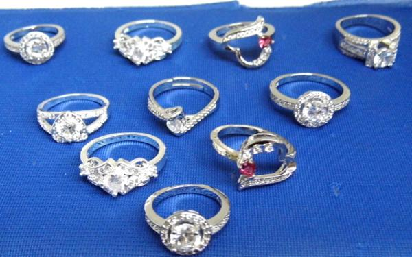 10 x 925 silver rings with set stones