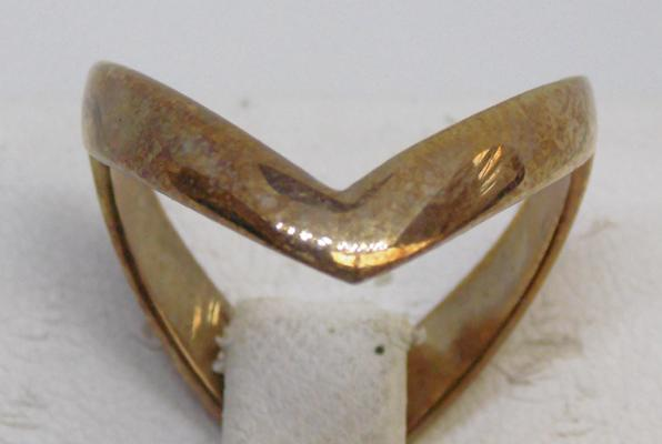9ct double wishbone ring