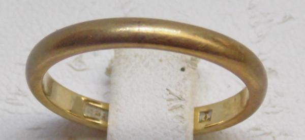 9ct wedding band
