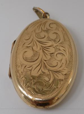 9ct Gold 1.5 inch locket