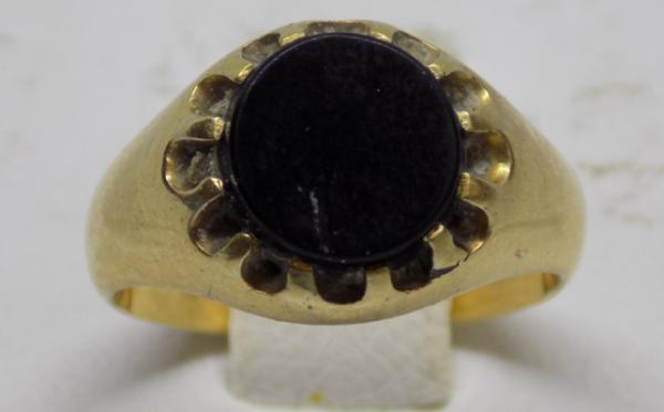 18ct gold signet ring, circa 1800, size H