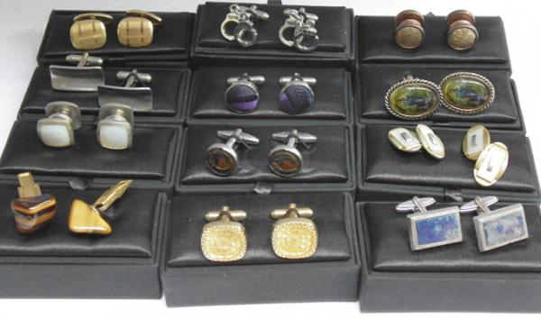 Collection of vintage cufflinks-all boxed