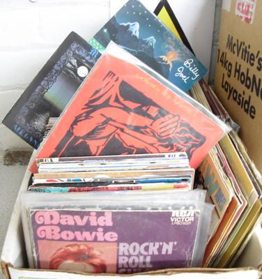 Box of singles - Pop, Punk, Rock, 1960's etc...