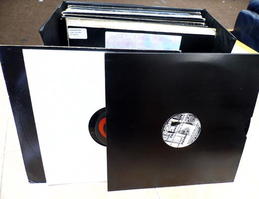 2 x boxes of 12 inch singles, 1980's/90's - House, Dance, Techno + case
