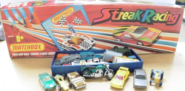 1970's boxed Matchbox Lesney S400 Streak Race set, plus 20 cars