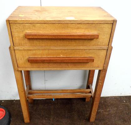 Oak sewing table with 2 drawers