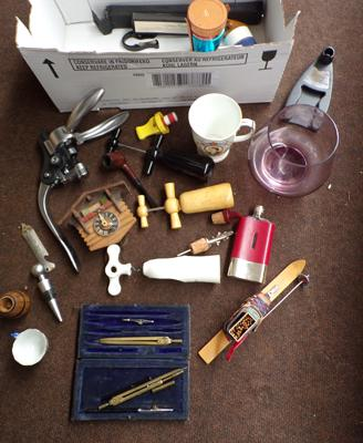 Box of mixed collectables, incl. pipes + smoking ephemera