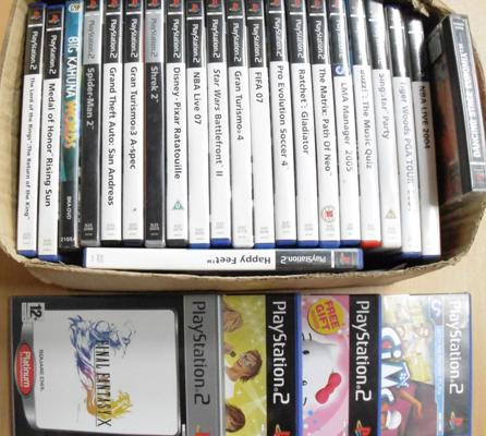 Collection of 26 Playstation 2 boxed games