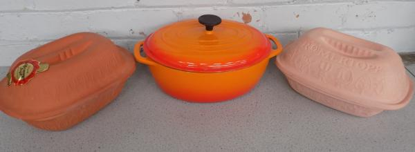 La Creuset casserole dish + 2 x Clay Schlemmertopf cooking dishes
