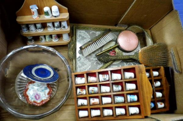 Mixed box incl. thimble & bedroom set