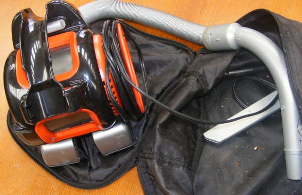 Black & Decker Dustbuster 10/6