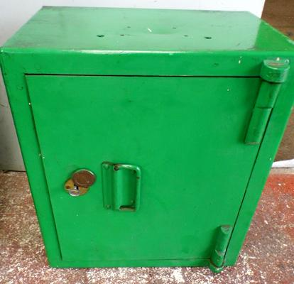 Safe box with key