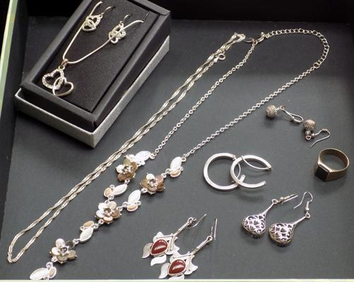 White metal jewellery incl. silver