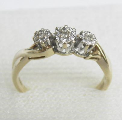 9ct gold diamond trilogy ring, size K