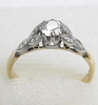18ct gold solitaire ring, size L