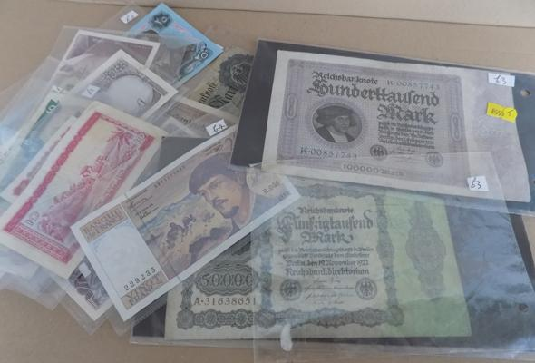 Large collection of foreign bank notes, incl. early German + Iraq
