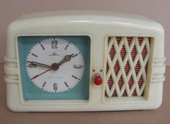 1930's Bakelite Tokyo - Tokei, No. 870, travel clock, original label on base