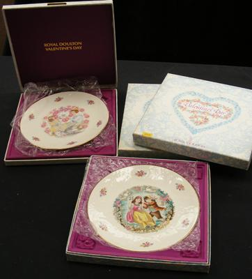 Four boxed Royal Doulton Valentines plates