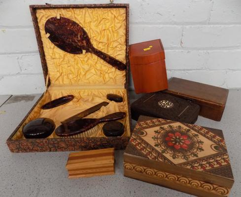 Selection of treen and dressing table set