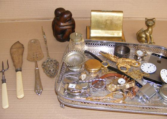 Silver plate Victorian gallery tray & collectables, silver collared 1900's toasting fork, pocket watches, I phone etc...