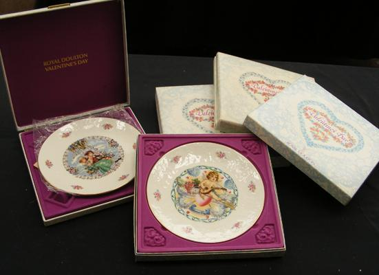 Five boxed Royal Doulton Valentine plates