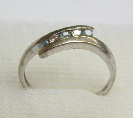 9ct gold diamond & aquamarine crossover ring, size K
