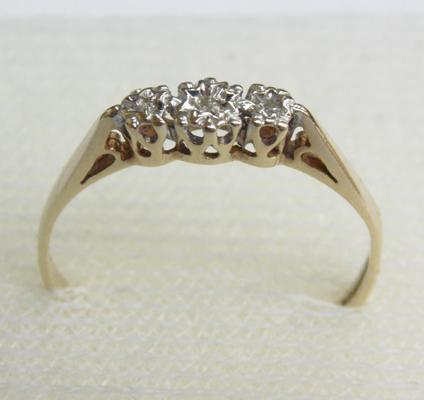 9ct gold diamond trilogy ring, size P