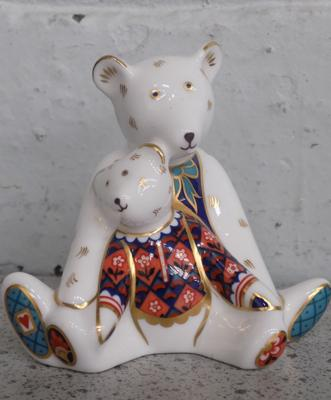 Royal Crown Derby Charlotte & Mummy Bear