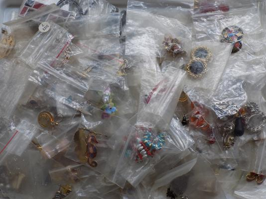 Tray of vintage costume earrings