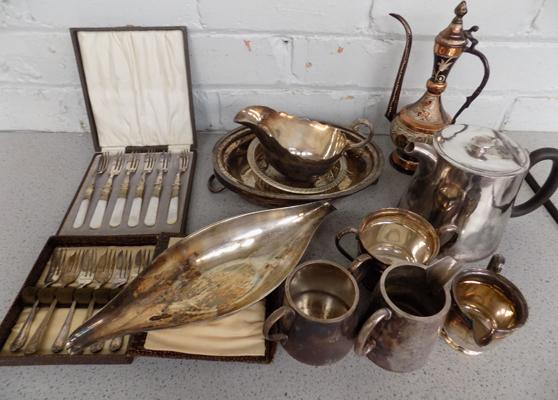 Large selection of mixed plated silverware, incl. gravy boat