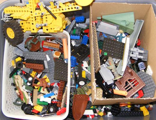 Quantity of vintage Lego, approx. 4 kg in weight