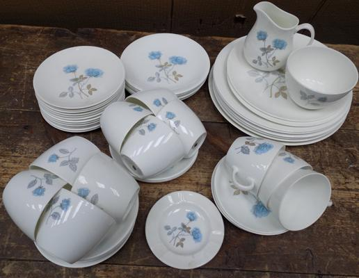 Wedgwood 'Ice Rose' bone china part dinner set