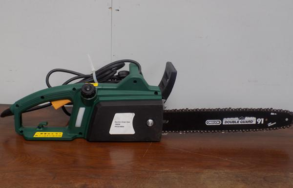 Oregon electric chain saw in W/O