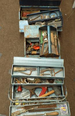 3 x vintage tool boxes, incl. selection of vintage tools