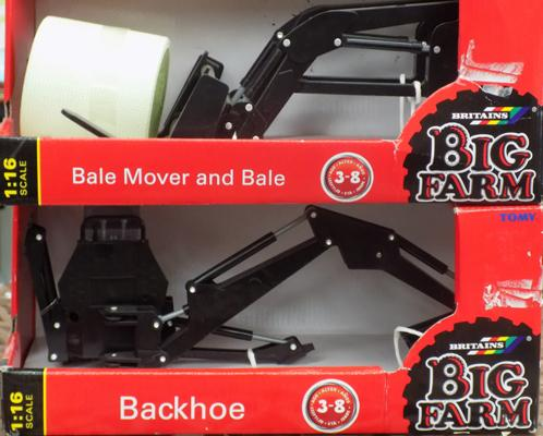 2x Britain's big farm accessories