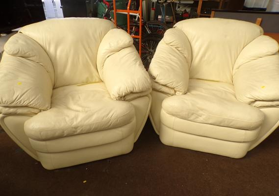 2x Cream armchairs