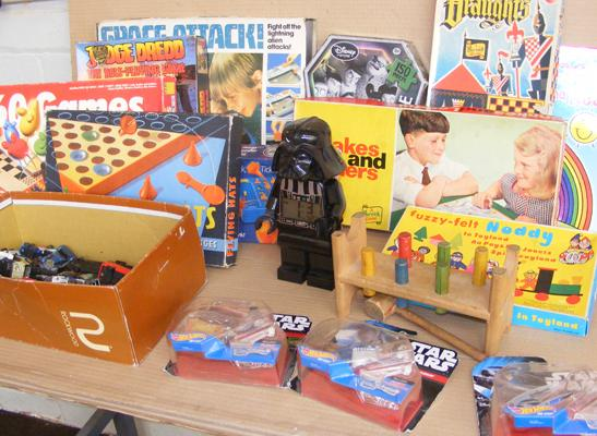 Box of 1960's games + Star Wars & diecast