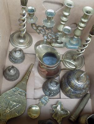 Box of various brasses incl. candlesticks etc.