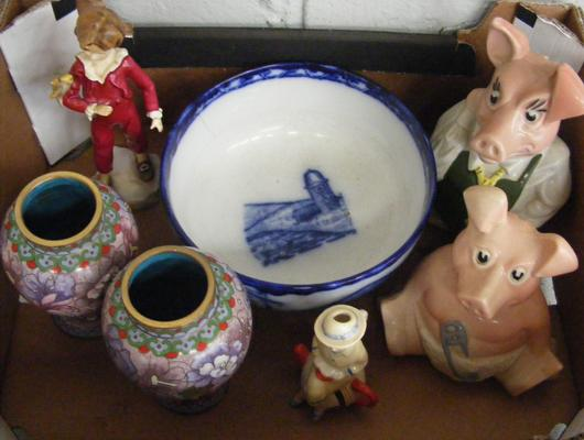 Box of mixed ceramics incl. Natwest pigs and Royal Worcester - some damage