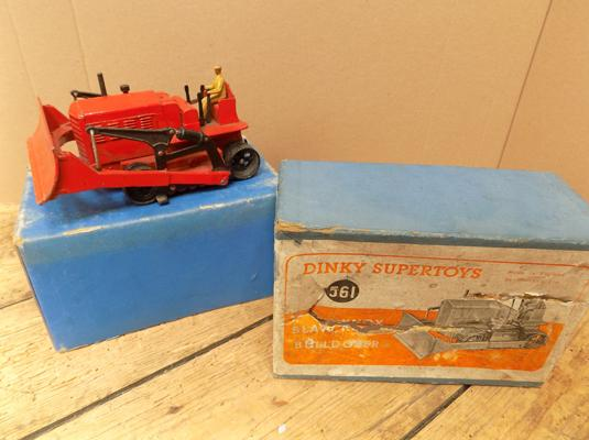 Dinky 561 Blow Knox bulldozer with box