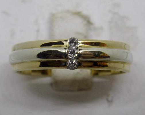 9ct yellow and white gold diamond trilogy ring - size V 1/2