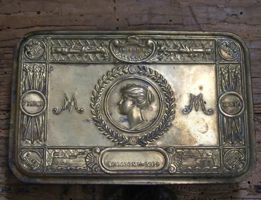 WW1 Christmas brass box 1914 - at fault