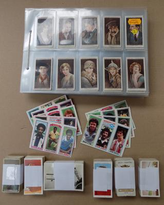 Pages & tub of mixed cigarette cards