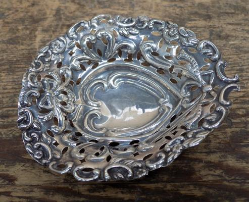Late Victorian sterling silver pin tray - Birmingham 1898, Millers Bros.