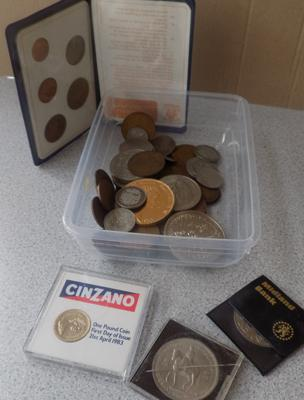 Assortment of coins, incl. first decimal set etc...